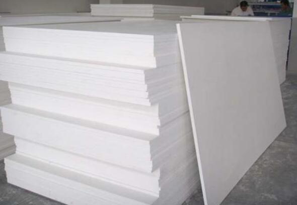 生产PVC韦德1946下载板的原材料分别是什么?